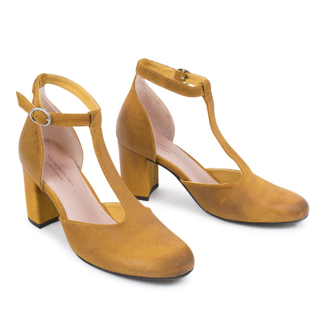 Amie W Yellow Side2