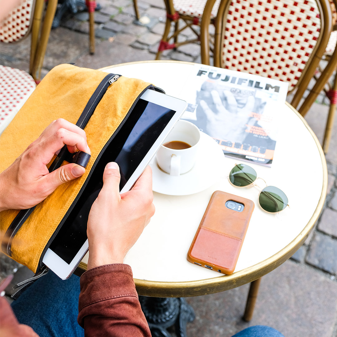 Edward-laptop-case-ochre-image-2