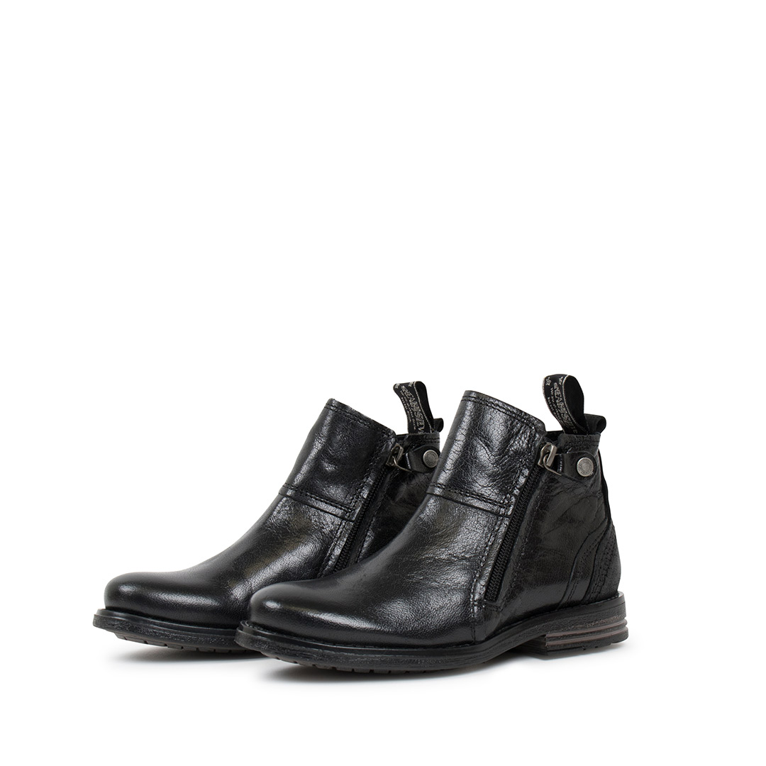 Heron-Kids-black-boots.1