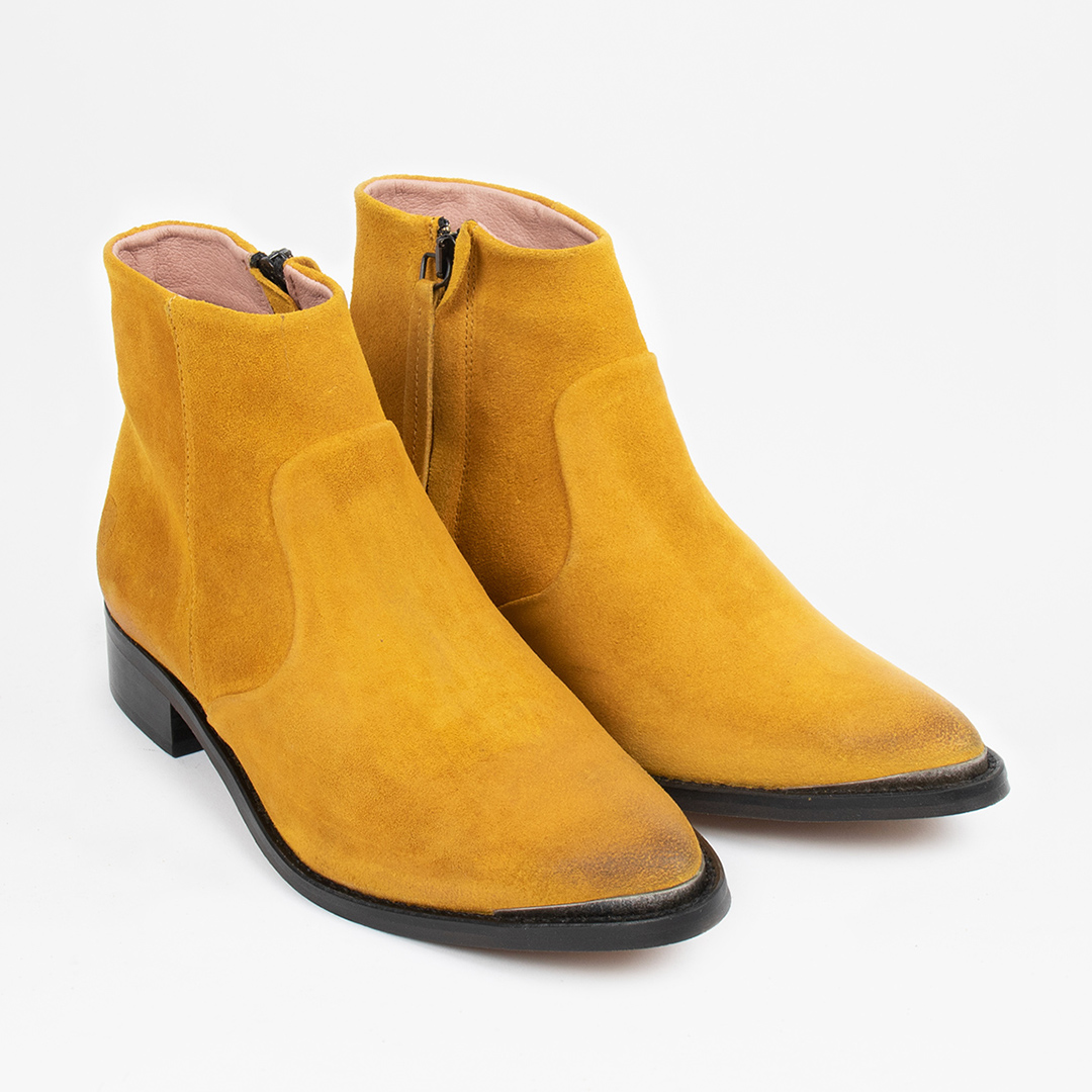 Electric W Yellow Suede