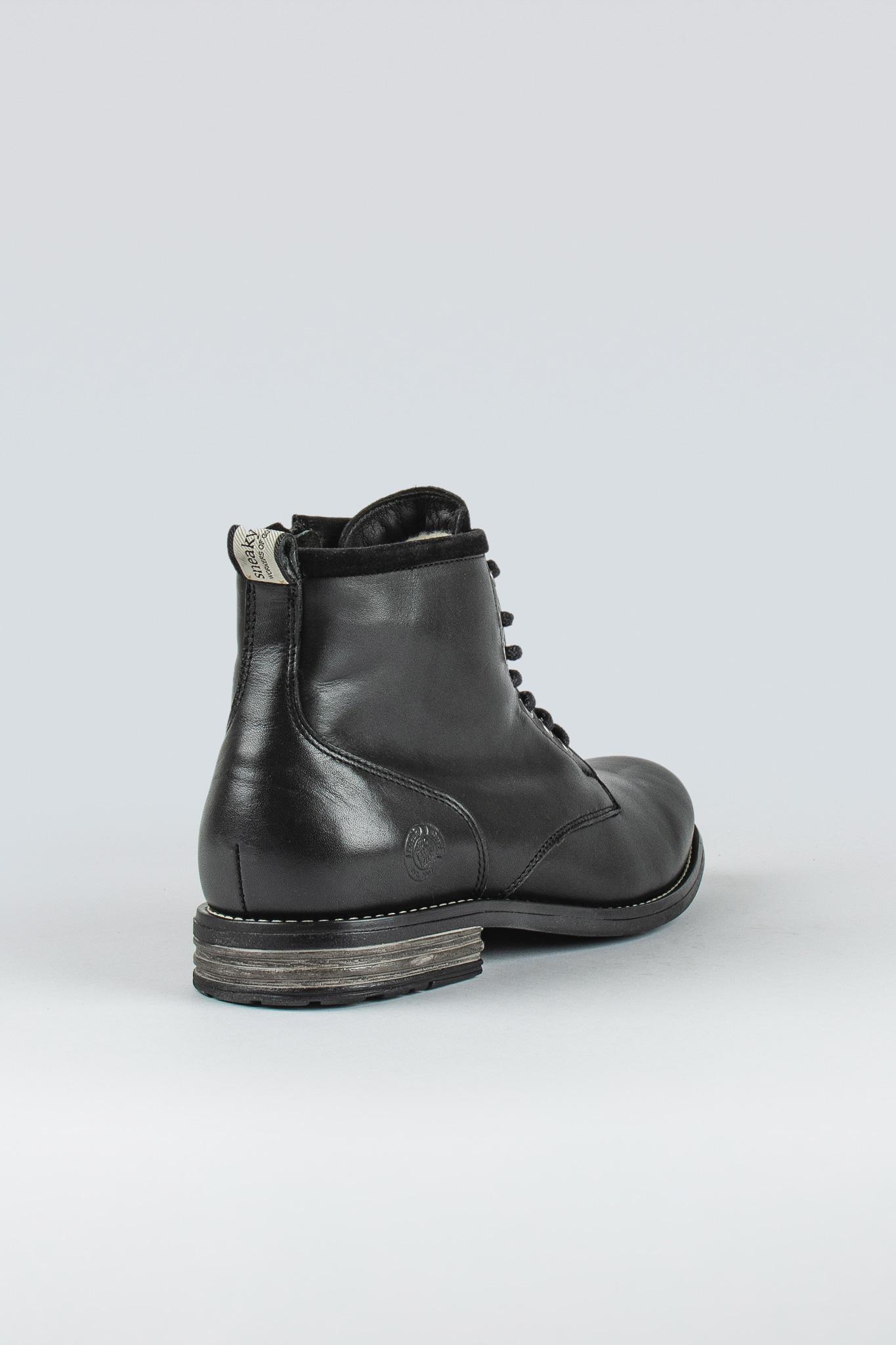 Peaker II Black
