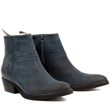 Dashed-heels-boots-nubuck-blue-pair
