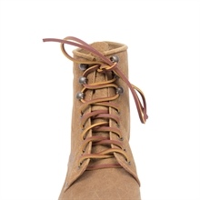 Shoelaces cognac detail6
